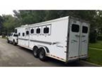 Sundowner 4 Horse Trailer w Living Quarters