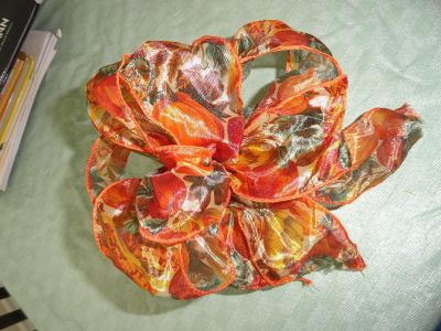 FULL SILKY ''PUMPKINS'' WIRED BOW