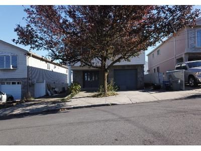 4 Bed 2 Bath Foreclosure Property in Staten Island, NY 10314 - Gower St