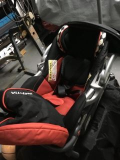 Infant car seat (new )never use 713-5058629