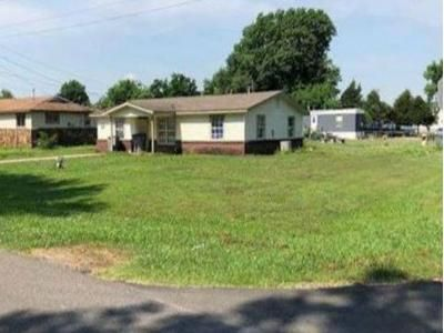 3 Bed 1 Bath Foreclosure Property in Wagoner, OK 74467 - S Lincoln Ave