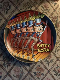 The Danbury Mint: Betty Boop America s Sweetheart It Show Time plate
