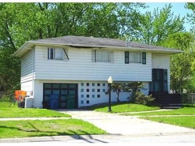 3 Bed 1.0 Bath Foreclosure Property in Gary, IN 46403 - Clay St