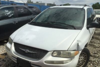 1998 Chrysler Town & Country