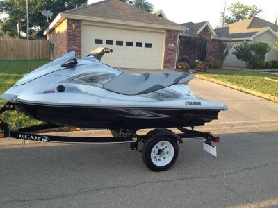 Yamaha Wave Runner Jet Ski with trailer LOW HOURS - PRICE REDUCED