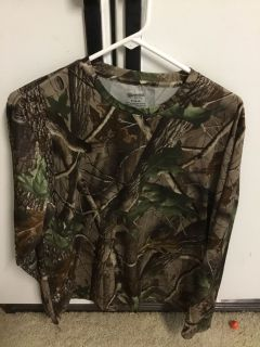 NEW! OUTFITTERS CAMO SHIRT (size MEDIUM 38-40)