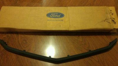 Buy NOS OEM Ford 75 76 Torino Elite Front Center Bumper Pad Guard D5OZ-17C829-A motorcycle in Waxahachie, Texas, United States, for US $95.00