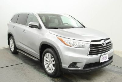 2015 Toyota Highlander LE (Black)