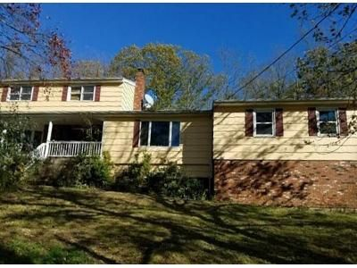 5 Bed 2.5 Bath Foreclosure Property in Northford, CT 06472 - White Hollow Rd