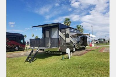 2017 Thor Motor Coach Outlaw 38RE