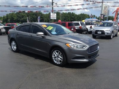 2013 Ford Fusion SE (Grey)
