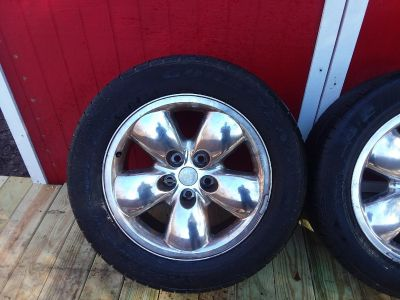 Set of rims and tires