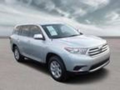 used 2012 Toyota Highlander for sale.