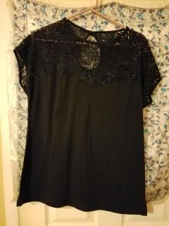 Beautiful ladies blouse black with open design Rock Steady 3X fits like 1XPOMS $4.00