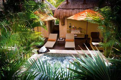 2ba Ultra modern home with pool
