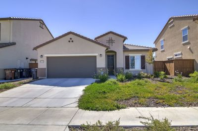 $2500 3 single-family home in Elk Grove