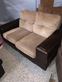 Love seat (Must Pick Up today)