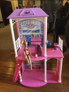 Barbie house! Great Condition! Super cute! Might be missing a back section... Comes with everything you see!