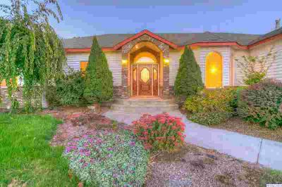 520 N 13th Ave Othello, Gorgeous Home Available!