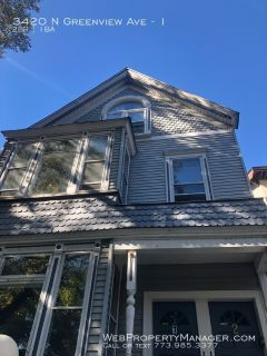 2 bed  / 1 bath Just steps from Southport/Brown Line