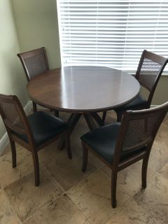 Wood Kitchen Table and 4 Chairs