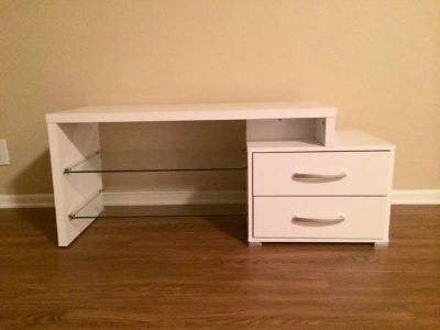 $150, Brand New Modern White TV Stand