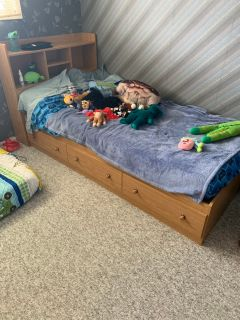Twin bed asking $225