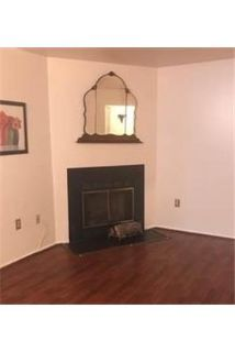 Columbia - 2-Bedroom first floor condominium in great condition.