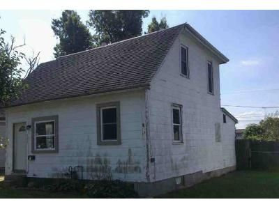 2 Bed 1 Bath Foreclosure Property in Richmond, IN 47374 - NW E St