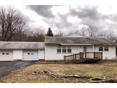 3 Bed 1 Bath Foreclosure Property in Washingtonville, NY 10992 - Perry Creek Rd