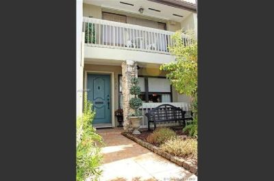 Elegant move-in-ready 2 bed / 2.5 bath townhome.