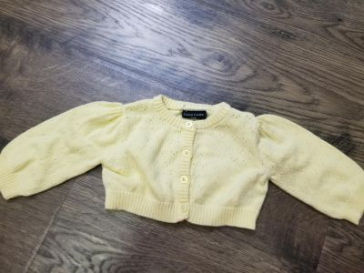 0-3 months. Lots of clothes