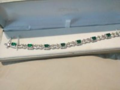 emerald and white saphire bracelet and matching ring set