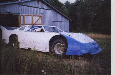 Sale/Trade 3 dirt late models & many Extra Parts
