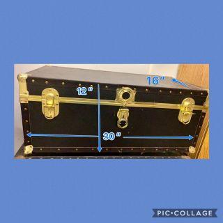 Storage Trunk / Foot Locker - Great for College Dorm