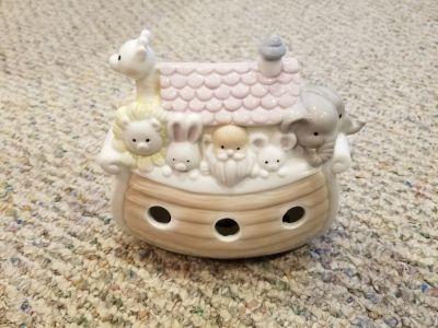 Enesco Noah's Ark Nursery table lamp