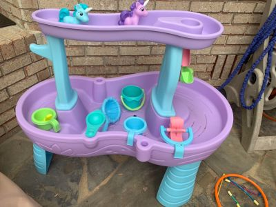 Step 2 water table. Like new. Only 1 month old. All pieces included.