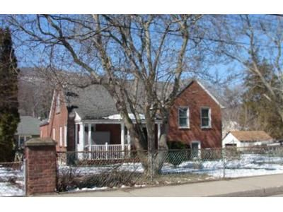 3 Bed 3 Bath Foreclosure Property in Highland Falls, NY 10928 - Main St