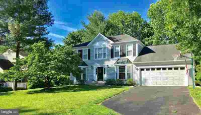 9707 Bridgewater CT ELLICOTT CITY Five BR, Great new price!