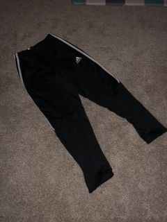 Boys adidas pants great condition size small