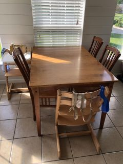 SOLID WOOD Canadel table with leaf and 6 chairs