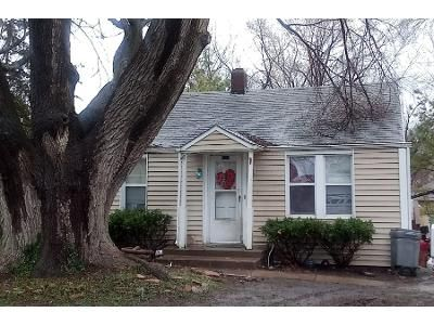 2 Bed 1 Bath Preforeclosure Property in Grain Valley, MO 64029 - W Walnut St