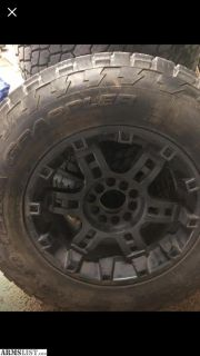 "For Sale/Trade: 32"" tire 285/65R18 on 20"" black rims fit standard 5 lug trucks and jk jeeps"