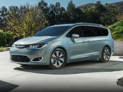 2018 Chrysler Pacifica Hybrid Limited (Velvet)