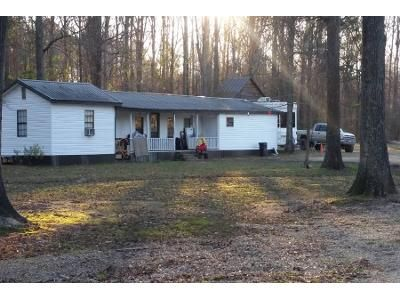 3 Bed 2 Bath Preforeclosure Property in Florence, MS 39073 - Coke Rd