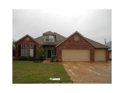 3 Bed 2 Bath Foreclosure Property in Owasso, OK 74055 - N 114th East Ave