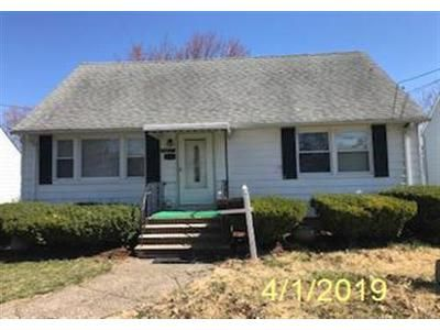 4 Bed 2.1 Bath Foreclosure Property in Clifton, NJ 07014 - Wheeler St