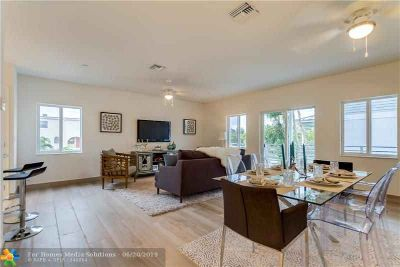 605 NE 28th St 2 Wilton Manors Two BR, townhome for rent!.