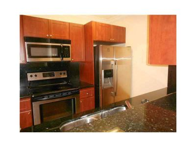 FOR RENT: Great 1 bed/1bath unit in Kendall - The Hammocks