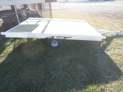 2018 Triton Trailers XT10-101 Trail/Touring Sport Utility Trailers Lake Mills, IA